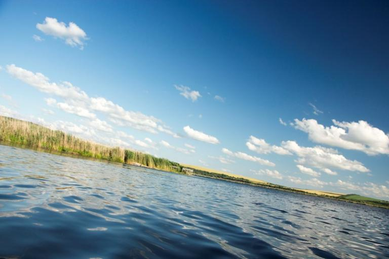 езеро, риболов, Agrozona.bg