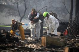 Над 1000 души са в неизвестност след пожарите в Калифорния