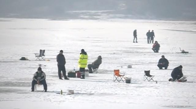 Батак, риболов на лед, Agrozona.bg