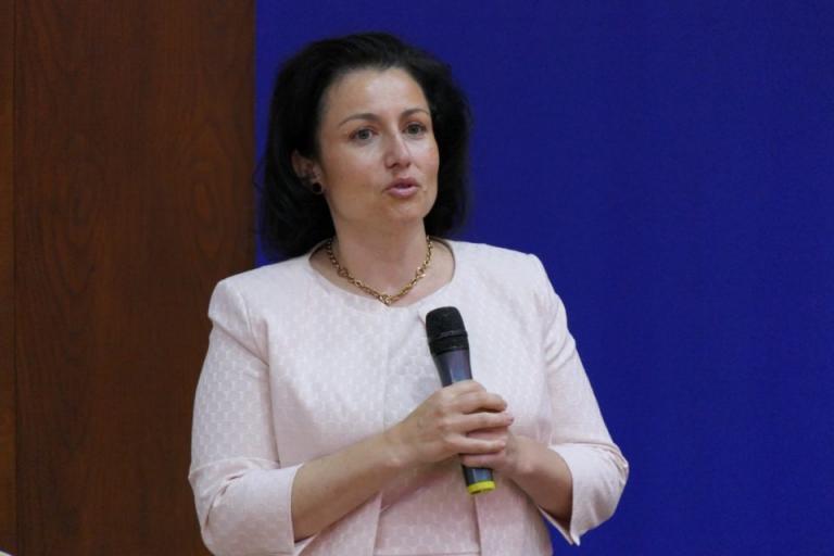 Десислава Танева, къщи за гости, Agrozona.bg