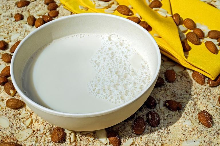мляко, ядки, Agrozona.bg