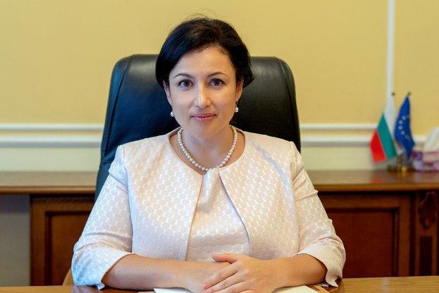 Десислава Танева, производстов, Agrozona.bg